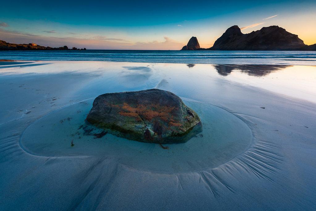 Stein på stranda